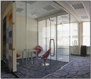 Цельностеклянные перегородки для офиса и дома из безопасного стекла